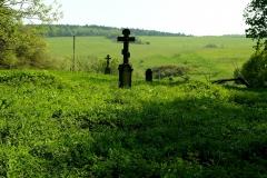 Ożenna.  Miejsce po cerkwi i zniszczony cmentarz łemkowski.