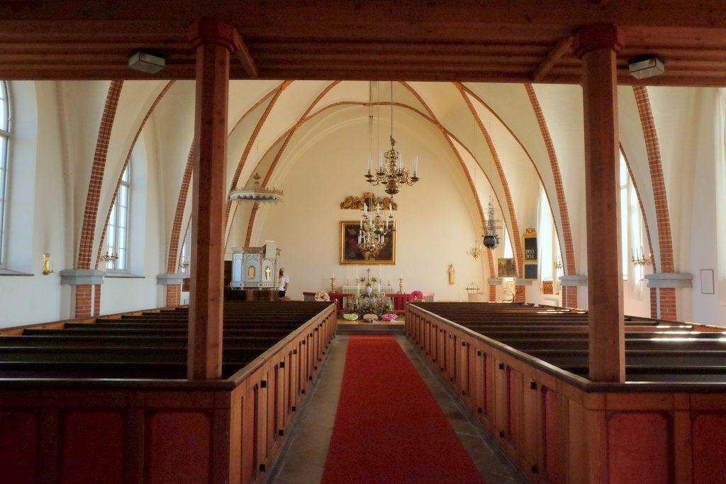 Wnętrze kościoła w Torekov.